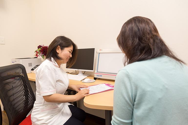 女性看護師による問診